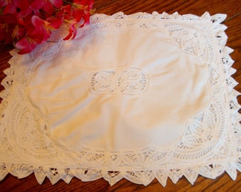 """White Lace Pillow Sham Battenberg Lace Pillow Cover Antique Bed Linens 13"""" x 16"""""""