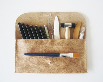 Artist's Pouch, brush bag, tool carrier, beige leather pencil pouch, light brown, hand stitched, rustic, textured, sturdy, pen case, 5x11