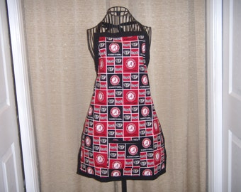 Roll Tide Adult Apron University of Alabama Crimson Tide red, black, and white Bear Bryant