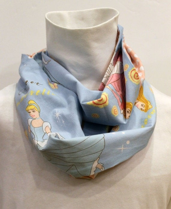 Disney Princess Infinity Pocket Scarf