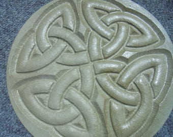 Celtic Knot Garden Stone, Shipping Included, Wall Hanging