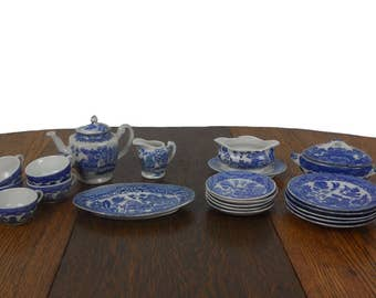 Blue Willow Toy China Vintage Childrens 23 Piece Large Set - Teapot, Creamer, Cups, Saucers, Plates,  Covered Dish and More - Service for 5