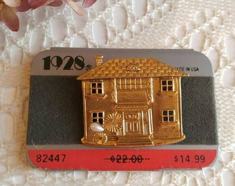 1928 Victorian House Brooch nwt