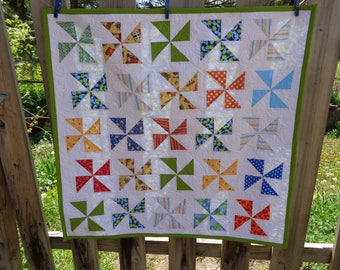 Baby Quilt, Baby Quilt, Pinwheels Quilt, Bright Modern Quilt 0513-01