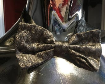 1980s Handmade Silver Patterned Bow Tie