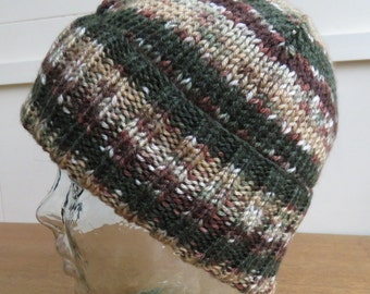 Knitted brimmed hat in cammo greens and browns