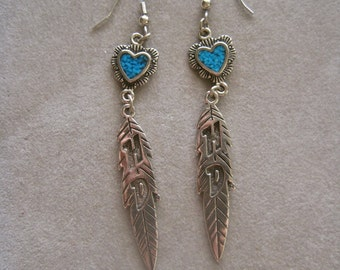 Vintage Harley Davidson Earrings Silver Turquoise Heart Feather Woman Biker HD Logo Dangle Drop Long Articulated