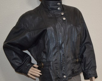 Vintage women black leather  jacket  by Wilsons The leather experts  Wilson's Motorcycle Ladies Coat Small Crop Biker Grunge Rocker  size M
