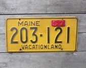 Antique Maine License Plate 1956 1957 Tag Maine Black & Yellow Rusty Metal License Plate Tag Chippy Paint Garage Car Truck Vintage Plate