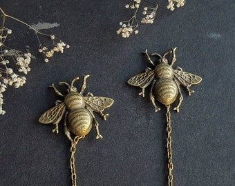 Vintage style collar brooch insect beetle bug in antique bronze color