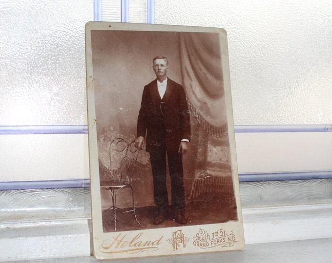 Victorian Man Cabinet Card Photograph Antique 1800s