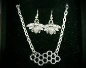Honeycomb necklace & bee earrings set - bee jewellery, Manchester worker bee, bee necklace, honeycomb jewellery, Christmas gift, jewelry set