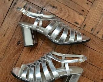 1980s Silver Metallic Sandal Heels size 7.5