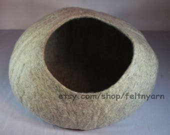 Light natural gray cat cave, cat house, cat furniture, felt cat house, felt cat bed.