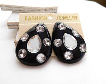 Vintage 1980s Black Plastic Simulated Rhinestone Teardrop Clip On Earrings V9