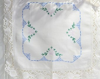 Small embroidered doily with lace, vintage Swedish tablecloth, shabby linen 13 ""