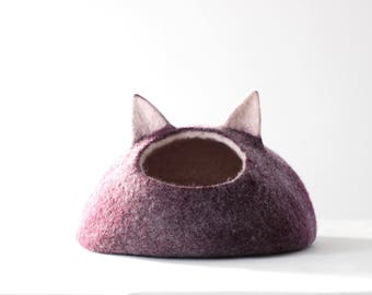 Pet bed with ears - cat bed - cat cave - purple aubergine wool pet bed - gift for pets - made to order - modern cat bed - original gift