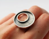 O ring sterling silver leaf printed off centered ring size 7