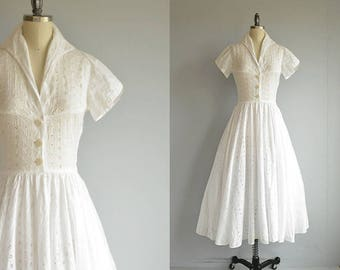 Vintage 1940s Dress / 40s White Embroidered Eyelet with Full Circle Skirt / Vintage Lace Dress