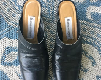 Etienne Aigner Magic Mules Black 6M