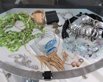 Mixed Lot (jlot1) ~ WEARABLE COSTUME JEWELRY ~ Mixed Metals / Stones