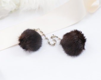 Mink Sweater Clips. Fur Jewelry. Vintage Mink Puff 40s 50s Winter Jewelry, Old Hollywood, Pearl Costume Jewelry, Brown Animal Fur Mink Clips