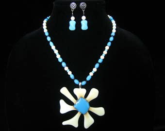 """SALE Flower Power Artisan Necklace SET with EARRINGS. 3"""" Glass Flower Pendant. Beads in Blue Art Glass, Cream Stone, Black Spacers.  18.5"""" L"""
