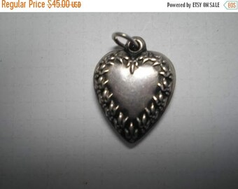 Vintage Sterling Puffy Heart Charm      Item No: 16259