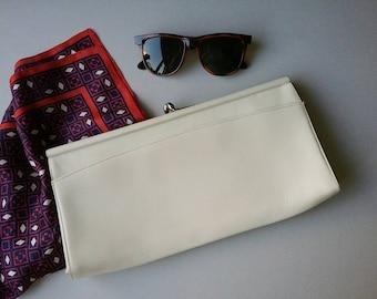White Leather Clutch, Elegant white Purse,Frame Clasp Purse,Classic womens bag,evening bag, Womens Handbag, white vintage purse, Leather Bag