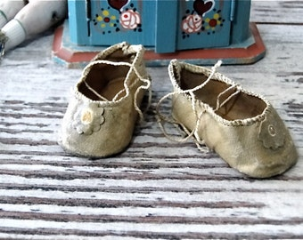 Antique Oilcloth Doll Shoes for Small French German Bisque Dolls Accessories