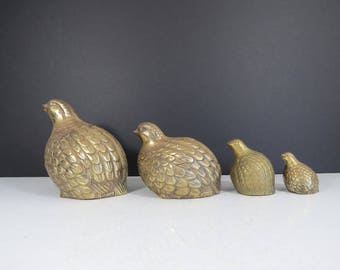 Vintage Brass Quail Family // Set of Four Brass Quail Figurines Mid Century Modern Brass Home Decor Hollywood Regency Retro Set of Statues
