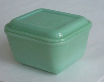 "Fire King Jadeite Philbe Refrigerator Container With Lid 4.5"" X 5"""
