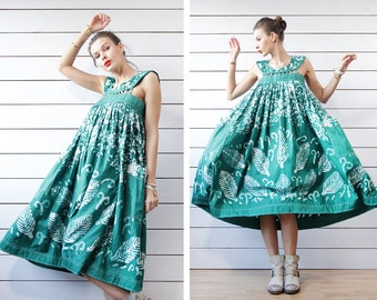 Vintage green white batik dyed painted extra full balloon folk festival sarafan peasant dress