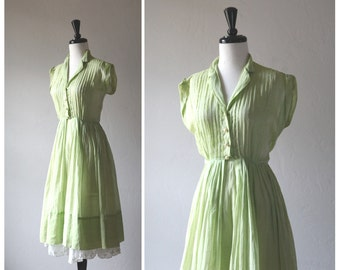 Beautiful Pale Lime Green Chiffon Sun Dress w/ Pintuck Detail & Fit and Flare Styling / 1950s Vintage