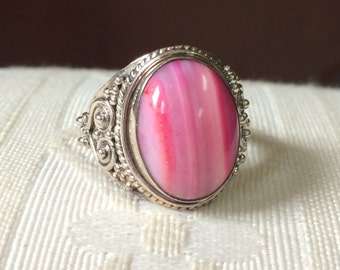 Ambers Vintage Flamingo Barbie Pink Agate Sterling Silver Ornate Scrolled Ring Amazing