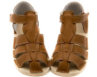 Camel Kids Leather Sandals, lining, Vibram sole, support barefoot walking, sizes EU 25/26 to 34 - US 9 to 3 kids