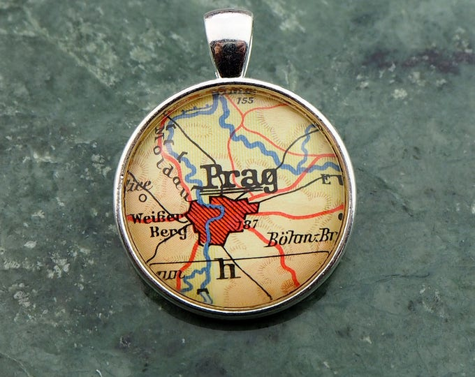 NECKLACE or KEYCHAIN, Czechoslovakia, PRAGUE, Pendant, Ø 1 inch, nickle free steel, Cabochon, Glass, Atlas, Vintage, Jewelry