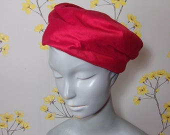 Vintage 1950s Tomato Red Silk Pillbox Hat Ladies Red Hat 50s Rounded Pillbox Hat Red