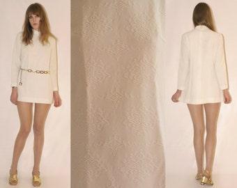 Vtg 60s White Textutred Turtleneck Mini Dress