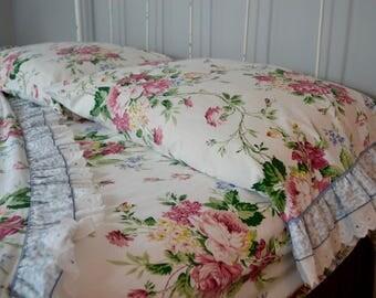 vintage full bedding set: flat sheet, fitted sheet, 2 pillowcases Waverly floral design