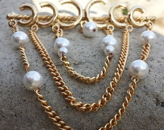 FALL SALE Unique Vintage Faux Pearl Gold Tone Brooch Chains