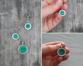 Rond pendant and earrings with pastel green resine :. Sterling silver - Geometric - Jewel - Jewelry