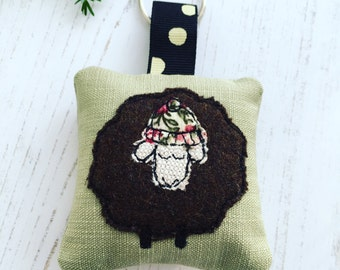 Freehand Machine Embroidered Brown (Black Sheep) Keyring Keyfob Freemotion Embroidery Padded