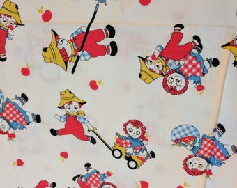 """Vintage Fabric Raggedy Ann and Andy Cotton Material 35"""" by 53"""" Retro Craft #dra5"""