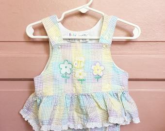 Vintage 90s pastel sunsuit- romper- seersucker bumble bee  intage baby girl size 6/9M