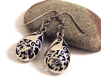 Vintage Silver Teardrop Earrings, Dangly Filigree Earrings, Silver Cut Out Earrings