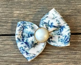 Toile Infant or Dog Hair Bow-Tiny Toile Hair Bow-Tiny Toile Hair Clip-Toile Dog Bow-Toile Baby Bow-Sophisticated Dog Bow-Class Baby Bow