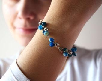 Bangle Bracelet blue and silver/ agate and metal jewelry / wire wrap bracelet / chakra jewelry / raw stone bracelet / beaded bracelet
