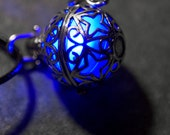 Glow in the Dark Silver Star Pendant ~ Luminous Glowing Locket Necklace Steampunk Gothic Fantasy ~ In 13 Vivid LED or UV Resin Glow Colours