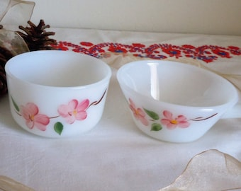 Set of 2 Fire King Gay Fad Peach Blossoms Bowls.  1950's Vintage Made in USA .  Collection Replacements